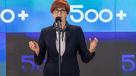 Minister Elżbieta Rafalska po raz kolejny broniła w piątek rano programu Rodzina 500+