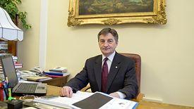 Marek Kuchciński ma w Sejmie do dyspozycji apartament i gabinet.