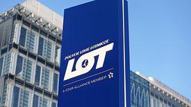 PLL LOT prowadzi rekrutację na prezesa spółki. Obecny szef też stara się o posadę