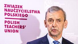"""""""Celem nie jest paraliż, tylko poprawa sytuacji finansowej"""" - mówi o strajku nauczycieli szef ZNP Sławomir Broniarz."""