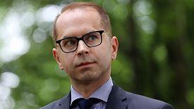 Michał Szczerba z PO domaga się od premiera Mateusza Morawieckiego upublicznienia raportu dyrektorów MF i KAS.