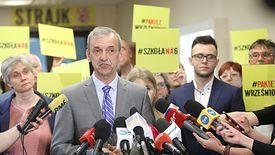 Pod koniec kwietnia szef Związku Nauczycielstwa Polskiego Sławomir Broniarz poinformował o zawieszeniu strajku.