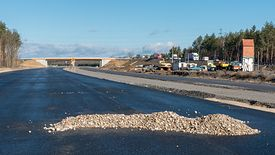 13/03/2019. Construction of the S3 express road. The delayed part of Lubin - Polkowice, where the winter stop lasts until March 15, but the contractor requires additional compensation for continued work