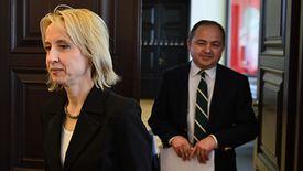 Minister finansów Teresa Czerwińska przed posiedzeniem rządu 16 kwietnia.