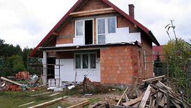 Z programu Czyste Powietrze można będzie dostać nawet 100-proc. zwrot kosztów wyłożonych na nowy piec czy ocieplenie domu.