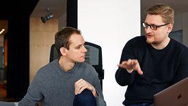 Współtwórcy Monterail: Szymon Boniecki (z lewej) i Bartosz Rega (z prawej)