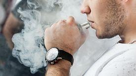 Akcyza na e-papierosy ma wynosić 55 groszy.