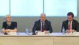 Konferencja po posiedzeniu RPP. Od lewej: Grażyna Ancyparowicz, Adam Glapiński, Łukasz Hardt