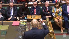 Boris Johnson przemawia w Izbie Gmin.