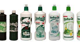 W 1964 r. na półki trafił pierwszy w Polsce płyn do mycia naczyń. Sprzedawano go w szklanej butelce