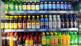"""Rząd zdecydował o wprowadzeniu """"opłaty cukrowej"""" od słodzonych napojów."""