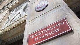 Departament polityki makroekonomicznej przygotowuje analizy i prognozy niezbędne w formułowaniu i realizacji polityki fiskalnej państwa