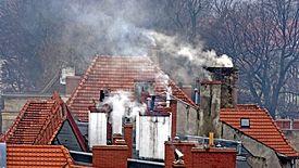 Pierwsze kary za zakaz palenia węglem i drewnem w Krakowie