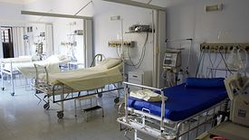 Większość szpitali powiatowych nieustannie się zadłuża i będzie zadłużać się nadal