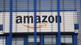 Pracownicy Amazona boją się zarażenia.