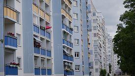 Mieszkania w blokach cieszą się popularnością.