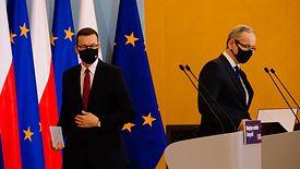To premier Mateusz Morawiecki daje zielone światło dla obostrzeń w Polsce