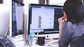Ciągle najbezpieczniej na rynku pracy mogą czuć się eksperci od IT.