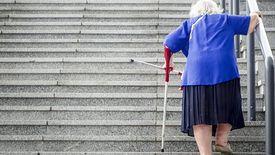 Kobiety otrzymują średnio o 1 tys. zł mniejszą emeryturę od mężczyzn