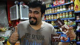 Słodycze krakowskiej firmy Wawel można dziś znaleźć w lokalnych irańskich sklepach.