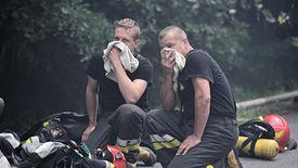 Przy pożarze składowiska ze Zgierza życiem i zdrowiem ryzykowało 250 strażaków.
