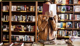 5 współczesnych polskich pisarzy, których warto znać