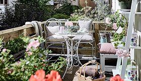 Na balkonie czy na tarasie w ogrodzie? Odpoczywaj u siebie!