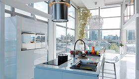 Okapy kuchenne: sprzęt dla finalistów Master Chefa, gadżeciarzy i wielbicieli pięknych kształtów