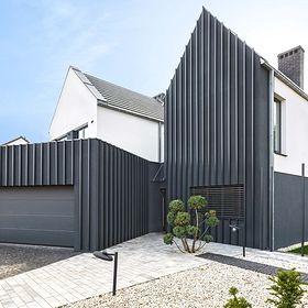 Fence house: gablota w przedpokoju
