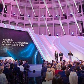 Domino dobroczynności podczas wręczania Nagrody Polskiej Rady Biznesu im. Jana Wejcherta