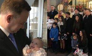 """Andrzej Duda pojechał na chrzciny SZESNASTEGO DZIECKA rodziny z Małopolski. """"Program 500+ stał się PRAWDZIWYM BŁOGOSŁAWIEŃSTWEM"""""""
