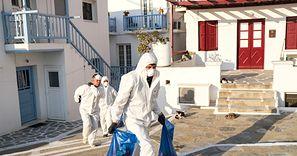 Koronawirus. Grecja właśnie się przekonała, czym grozi otwarcie na turystów