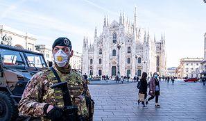 Koronawirus w Europie. Polak w grupie naukowców, którzy odizolowali włoski szczep wirusa