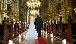 """Arcybiskup lubelski zakazał grania """"Hallelujah"""" na ślubach. Wierni są oburzeni"""
