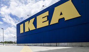 IKEA zwalnia pracownika za cytowanie Biblii. Są prokuratorskie zarzuty, jest reakcja firmy