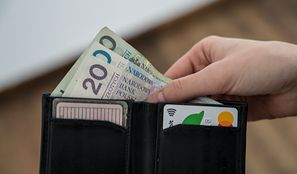 Ile wyniesie pensja minimalna w 2021 roku? Ile to netto, a jaki będzie koszt pracodawcy?