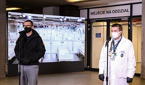 Rząd modyfikuje strategię. Więcej tymczasowych szpitali, chorzy do hoteli [News money.pl]