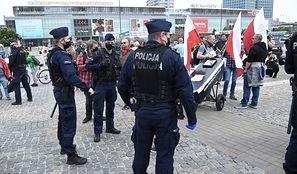 Strajk przedsiębiorców. Policja interweniuje i zatrzymuje Pawła Tanajno