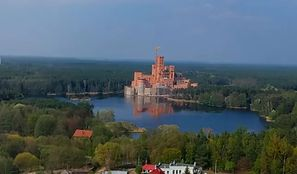 Zamek w Stobnicy. Siedem osób zatrzymanych ws. zamku w Puszczy Noteckiej