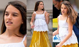 13-letnia Suri Cruise stroi miny na spacerze z nianią (ZDJĘCIA)