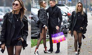 Sablewska w kusych spodenkach przemierza ulice Warszawy