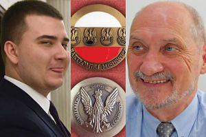 """Macierewicz wybił... MEDALE DLA MISIEWICZA! """"To forma osobistego podziękowania"""""""