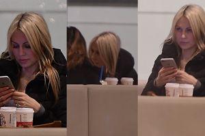 Magdalena Ogórek kontempluje telefon. Prezes dawno nie pisał? (WIDEO)