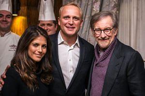 Adamczyk i Rosati pozują ze Spielbergiem!