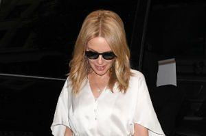"""Kylie Minogue przez raka nie może mieć dzieci. """"Czasem zastanawiam się, jakby to było być mamą"""""""