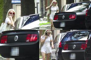 Margaret nie potrafi zaparkować swojego Mustanga? (WIDEO)