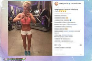 Britney Spears chwali się brzuchem
