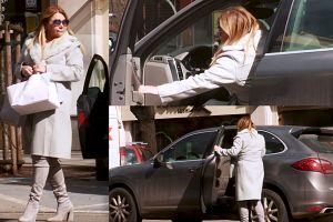 Katarzyna Niezgoda pędzi Porsche po ciastka (WIDEO)