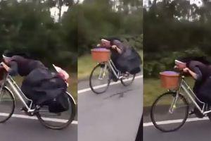 HIT SIECI: Polska zakonnica pędzi na rowerze w Hiszpanii!