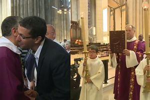 Muzułmanie na chrześcijańskiej mszy we Francji. Potępiono nożowników, którzy zabili księdza